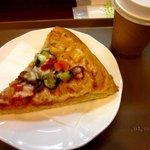 カフェベーカリー - きのことグリル野菜のピザ!