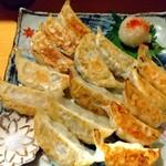 花紋 - 餃子の3種盛15個 850円(税込)