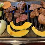 焼肉の浩養園 - 久し振りの焼き肉が、食べ頃に焼けて来ました