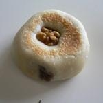 ポトリベーカリー - 焼きアンパン/干し柿(180円)