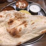インド定食ターリー屋 - 料理写真:ターリー屋定食(850円+税)