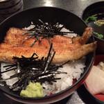 市松 - ランチ 白焼き丼
