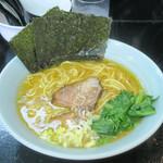 麺処 しん屋 - 料理写真:らーめん並750円