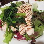 キンピラキッチン - 地鶏炭火焼のシーザーサラダ