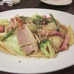キンピラキッチン - 塩豚とキャベツのペペロンチーノ