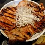 131168259 - 2020年6月 特上国産本ロース豚丼 豚汁セット 並 1160円+税