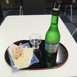 友遊 - 料理写真:日本酒とお通し