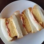 ロンブラージュ・ビガレ - 料理写真:厚焼き玉子サンド。