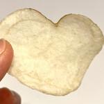 菊水堂 - ハート型のポテトチップスを発見♫ これはカラーポテトチップスではなく通常のものです