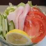 キッチンニュー南海 - 生野菜サラダ 470円