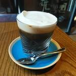 眞踏珈琲店 - 「カフェ・ヴィエヌア」はウインナーコーヒーでした