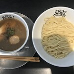131183701 - 味玉入りつけ麺900円(中盛)