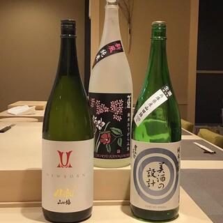 ♢各地の地酒を定期的に入れ替え種類豊富にご用意しております