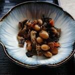 131186933 - 小鉢の煮豆