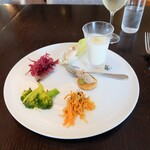 131191076 - ランチコース(税サ込み2541円)の前菜