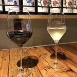 HAGARE - ワイン300円は格安。
