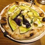 131199633 - ピッツァ~ナスとアンチョビ、リコッタチーズ