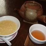 中國名菜 孫 - スープとお茶