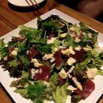シバフ - まぐろと5種チーズのギリシャ風サラダ