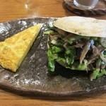 パンと喫茶 松波 - ベーグルサンド(きのこソテー)