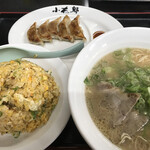 長浜ラーメン小太郎 太宰府店 - 料理写真:小太郎セット=930円 (ラーメン+餃子+焼めし)