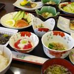 サンフラワーパークホテル - 朝食(和食膳) 黒千石納豆や黒千石豆腐など地元の特産品がたっぷり!!