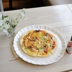 ワイズドッグカフェ ル・ジャルダン - ピザ(マルゲリータ)