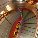 エクセルシオールカフェ - 螺旋階段で2Fへ(喫煙コーナー)