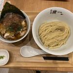 131220614 - 白菜と椎茸の鶏せせりつけそば(薄口醤油) 1,200円