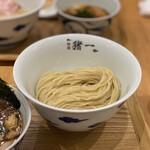麺屋 猪一 離れ - 白菜と椎茸の鶏せせりつけそば(薄口醤油) 1,200円 (冷盛)
