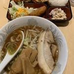 ラーメン縁屋 - 料理写真:醤油ラーメンランチ ¥707(税別)