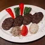 牛挽き肉のキョフテ(トルコ風ハンバーグ)