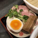 らぁ麺 幸跳 - 別皿具材 冷ニボ