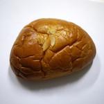 R&B - クリームパン