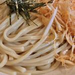 131251312 - 台湾つけ麺 ピリ辛ネギ 麺アップ