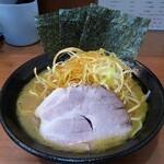 横浜家系らーめん りゅう - 料理写真: