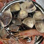 泉佐野漁協青空市場 - 赤海老は刺身でも食べられます