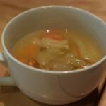 オーガニック レストラン 広場 - 野菜スープは薄い