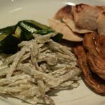 オーガニック レストラン 広場 - おふと胡瓜とゴボウ鶏むねみそ焼き