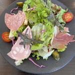 ビストロケンヂ - 色々ハムのサラダ