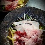 青森地酒専門店 あおもり湯島 - 八戸産クジラうねすのハリハリ小鍋
