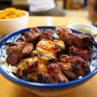 やき鳥 宮川 - 料理写真:焼きたて焼鳥丼900JPY