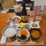あいおい食堂 - ♦︎サッポロ中瓶   ¥700 ♦︎あいおい定食   ¥1,100 ♦︎オーガニック納豆 ¥100 ♦︎ミニカレールー  ¥300