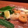 蕎麦 ひら川 - 料理写真:水無月(6月)蕎麦懐石 先付:炙り帆立の山椒オイルかけ 木の芽味噌、パルメザンチーズとレモン添え