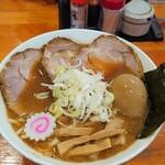 麺 まる井 - チャーシューメンと煮玉子
