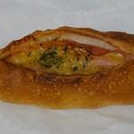 ぷろしーど - ハムチーズフランス147円