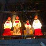 ビストロ・ダルブル - 開放感あふれる店内で         すてきなクリスマスの夜を・・・