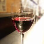 131293820 - 赤ワインはロックブルックピノ・ノワール490円(税別)=539円(税込) 202006