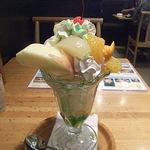 福島家 - フルーツパフェ