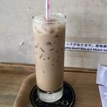 バインミー シンチャオ - 練乳入りコーヒー380円